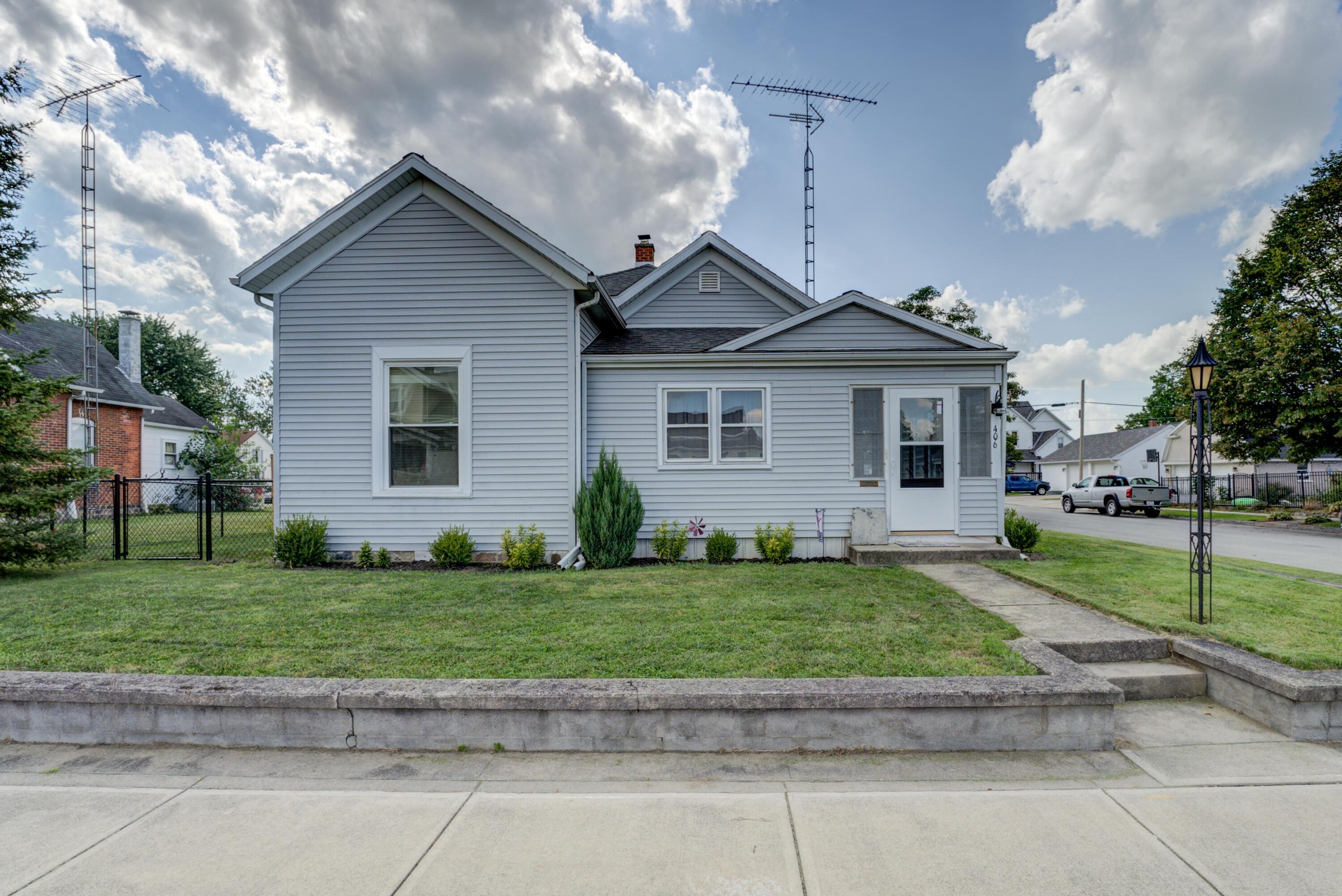 406 S Main Street Property Photo 1