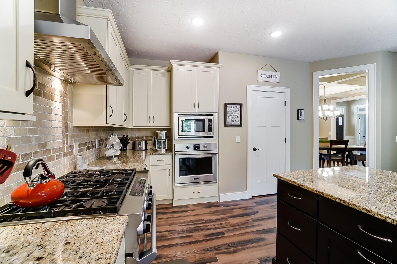 1060 Barrington Drive Property Photo 14