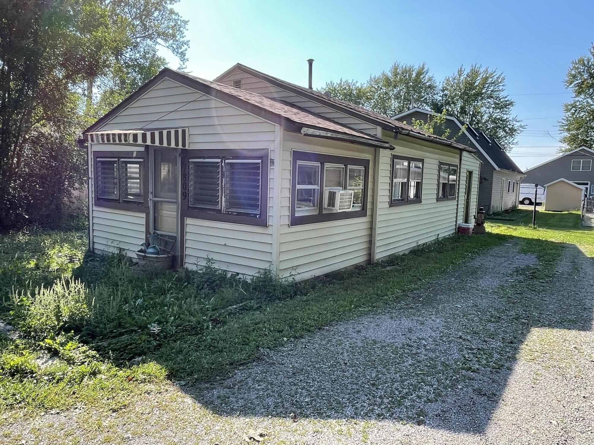 7809 Maple Street Property Photo