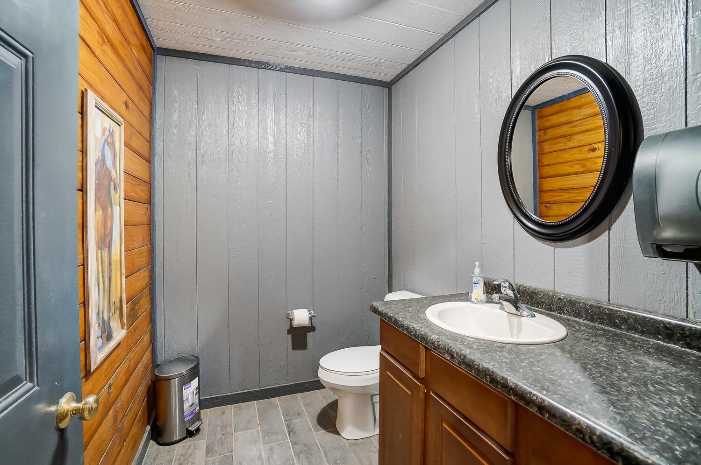 5467 E State Route 41 Property Photo 134