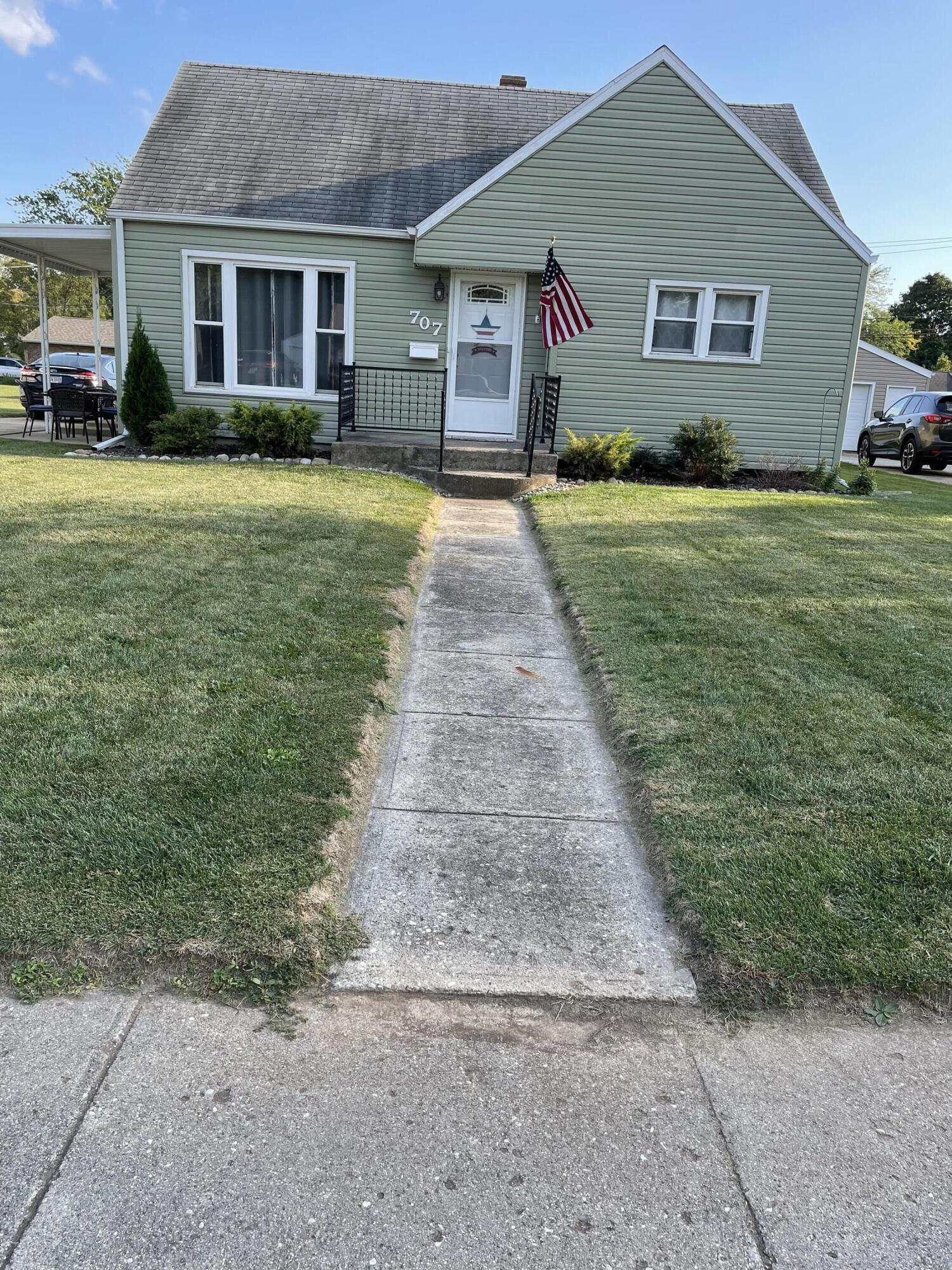 707 Lake Avenue Property Photo