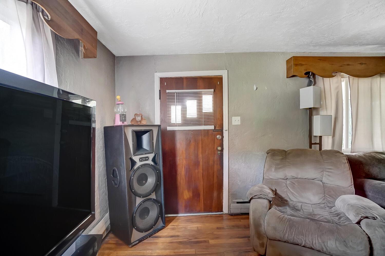 1124 W Mulberry Street Property Photo 4