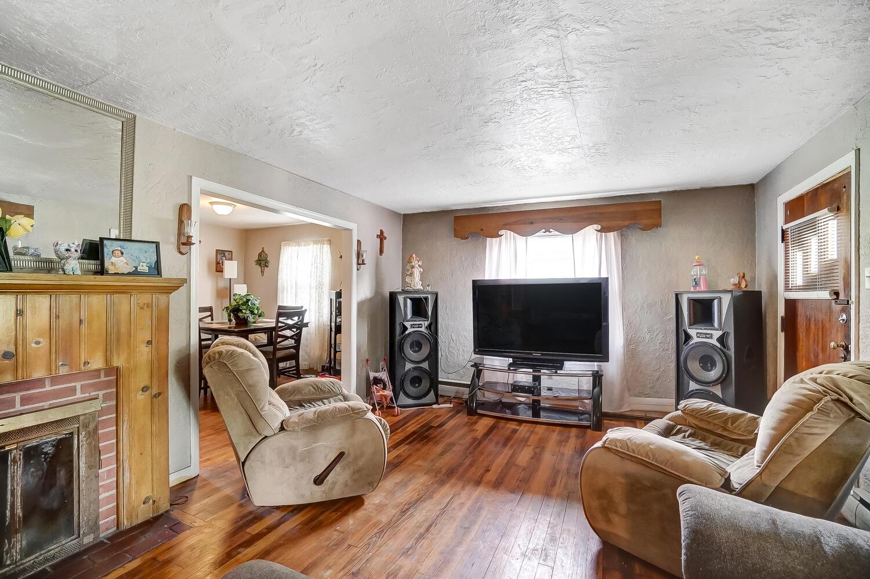 1124 W Mulberry Street Property Photo 7