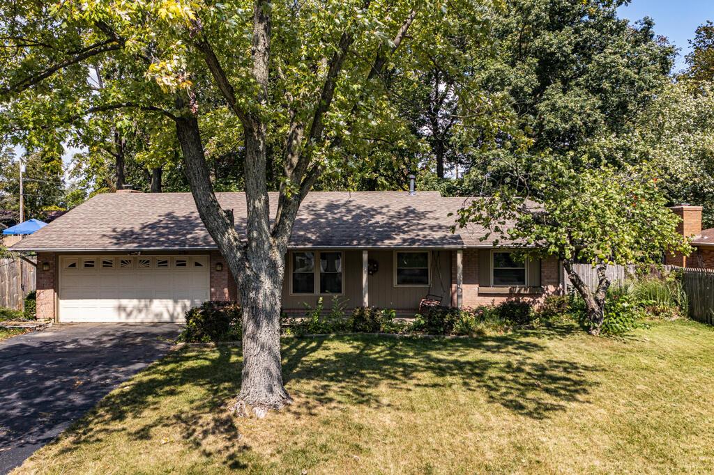 2761 Delavan Drive Property Photo 1