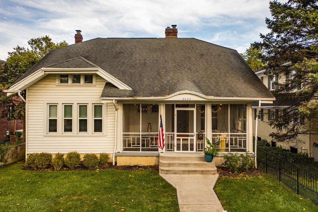 2020 Far Hills Avenue Property Photo 1