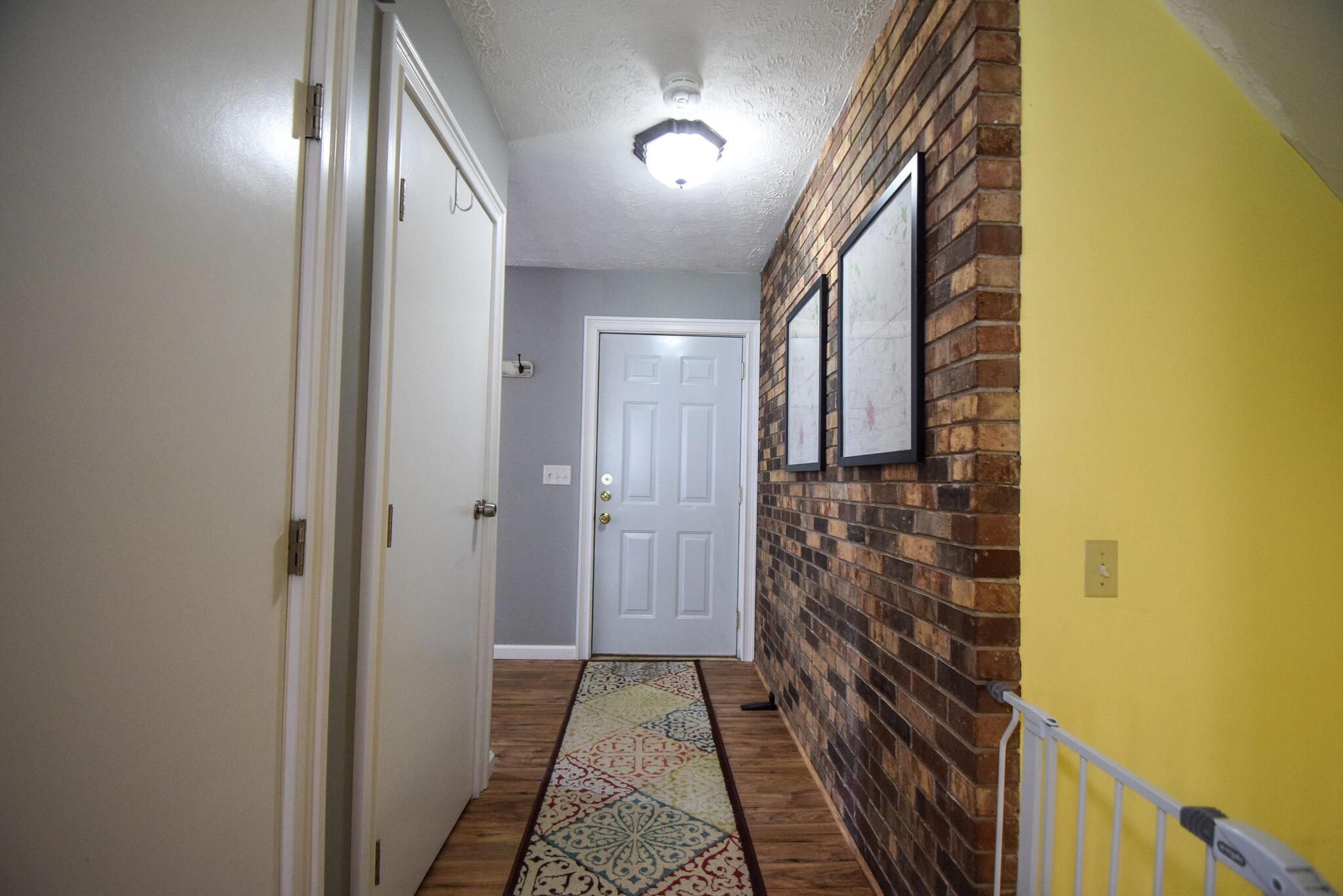 1340 W Choctaw Drive Property Photo 5