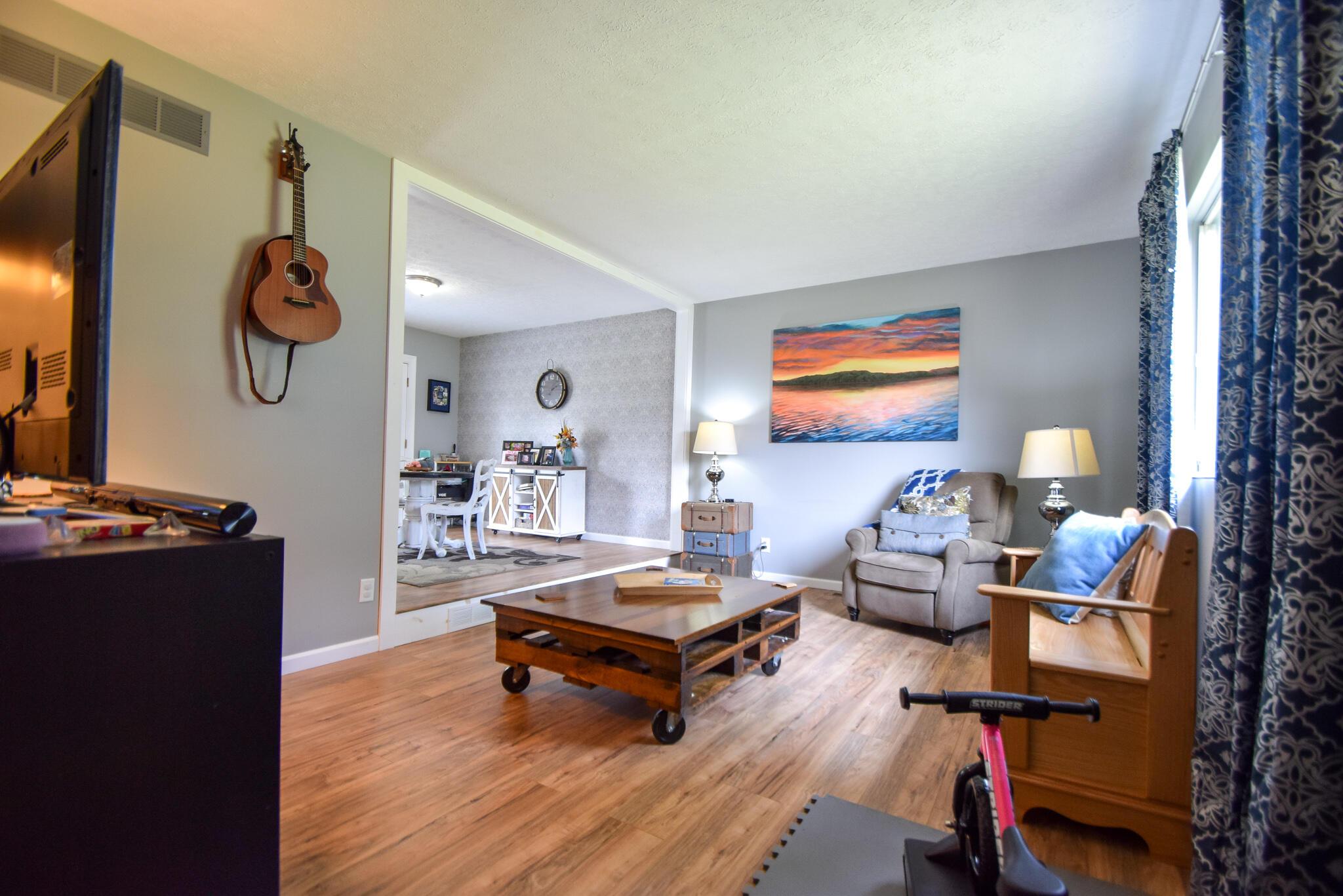 1340 W Choctaw Drive Property Photo 7