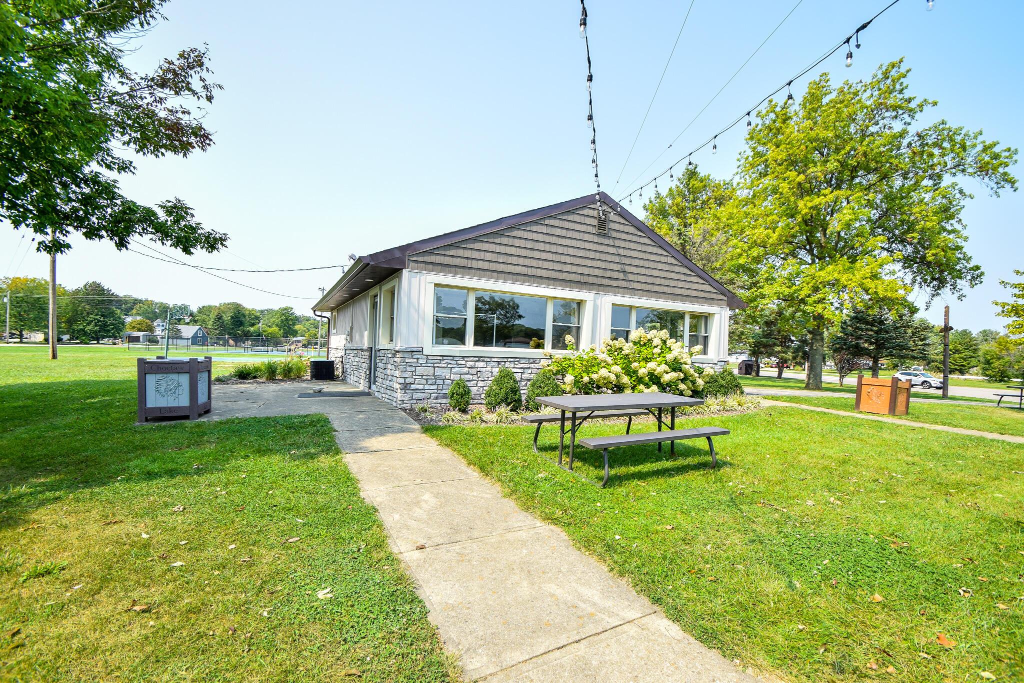 1340 W Choctaw Drive Property Photo 50