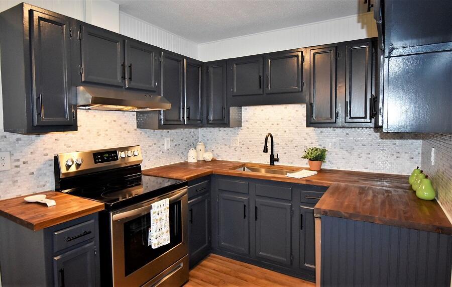 243 Ellis Avenue Property Photo 6