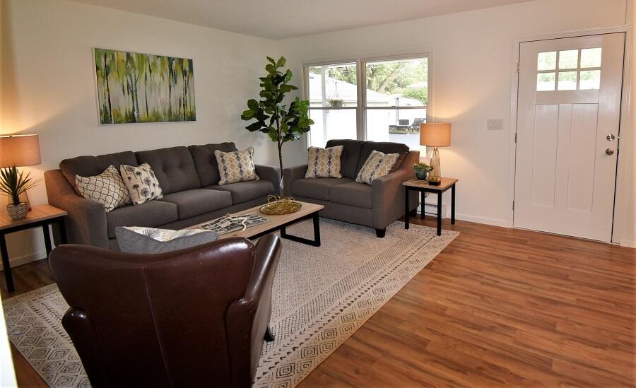243 Ellis Avenue Property Photo 12