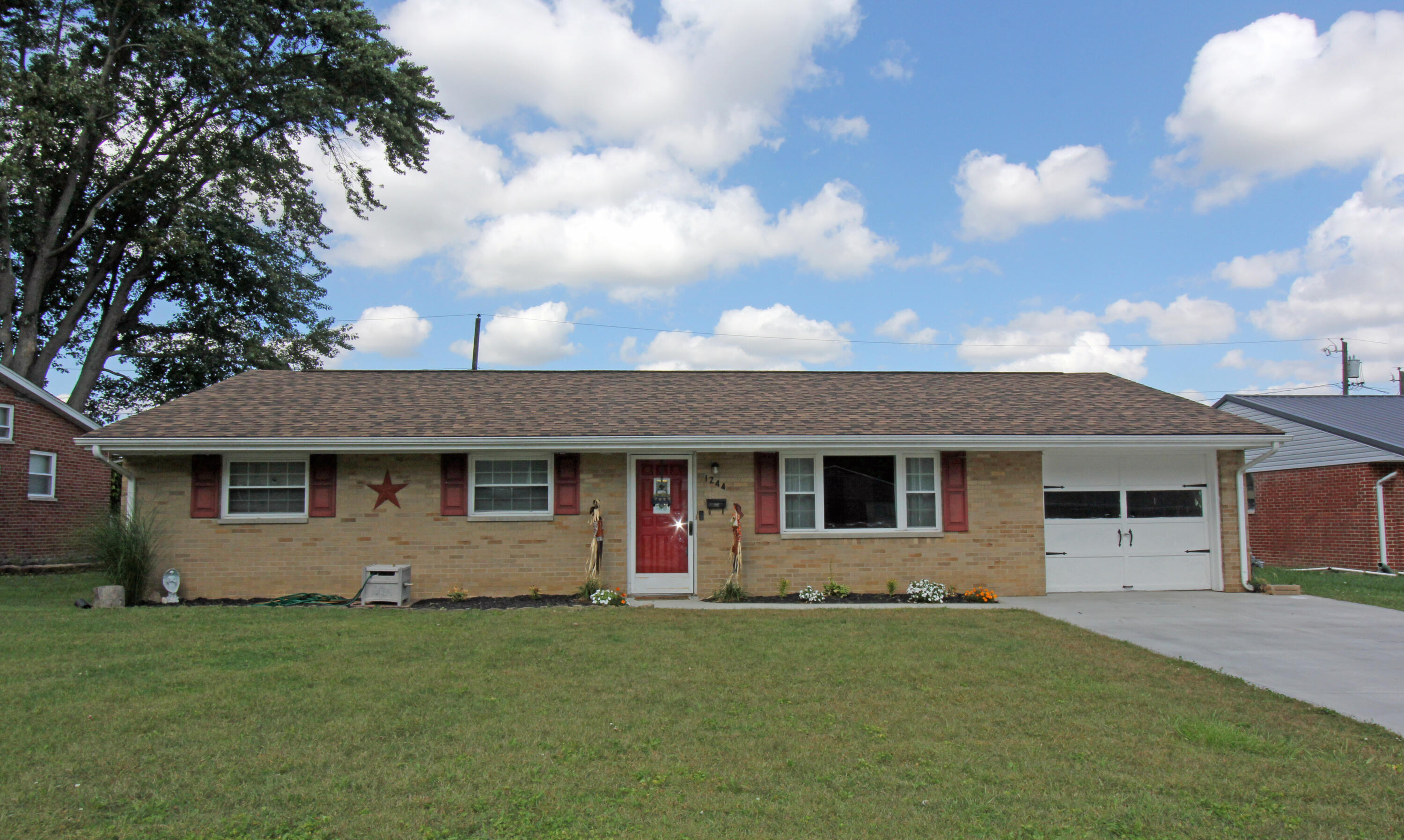1244 Severs Drive Property Photo 1