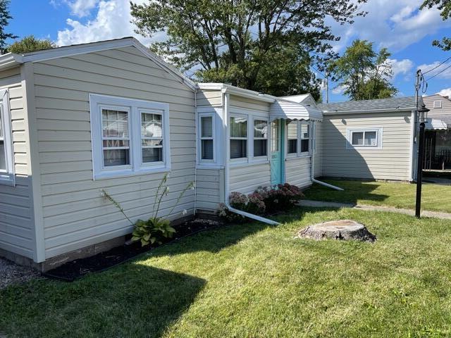 Lakeside Allot Real Estate Listings Main Image