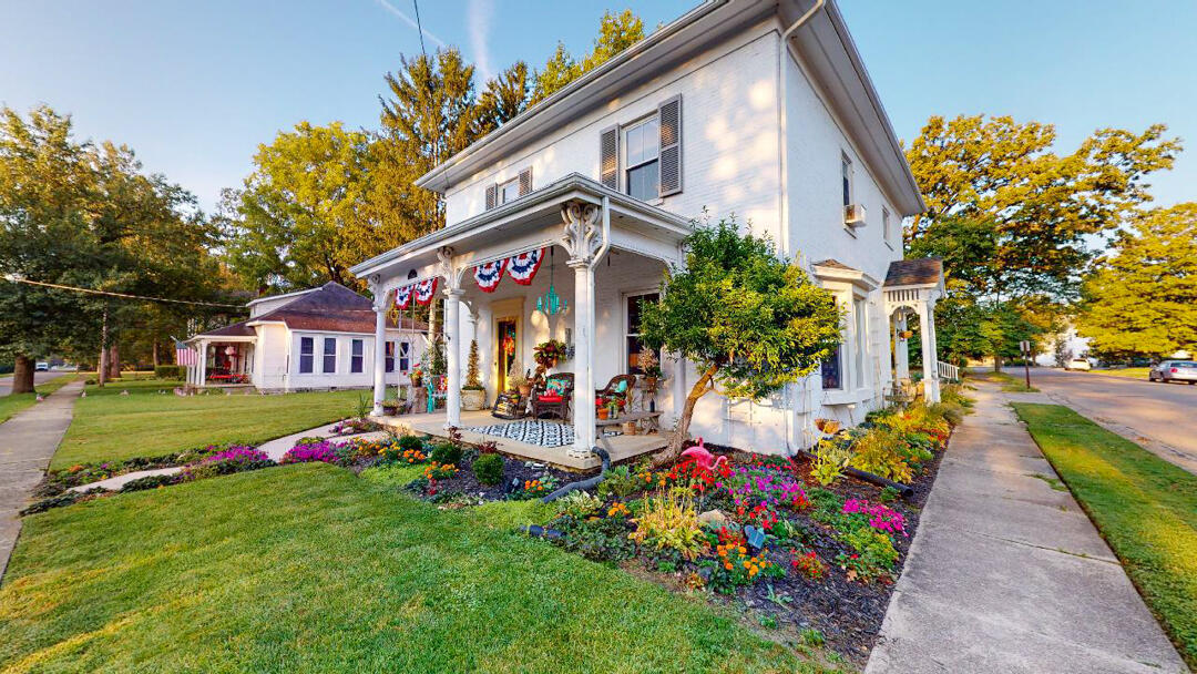 402 S High Street Property Photo 1