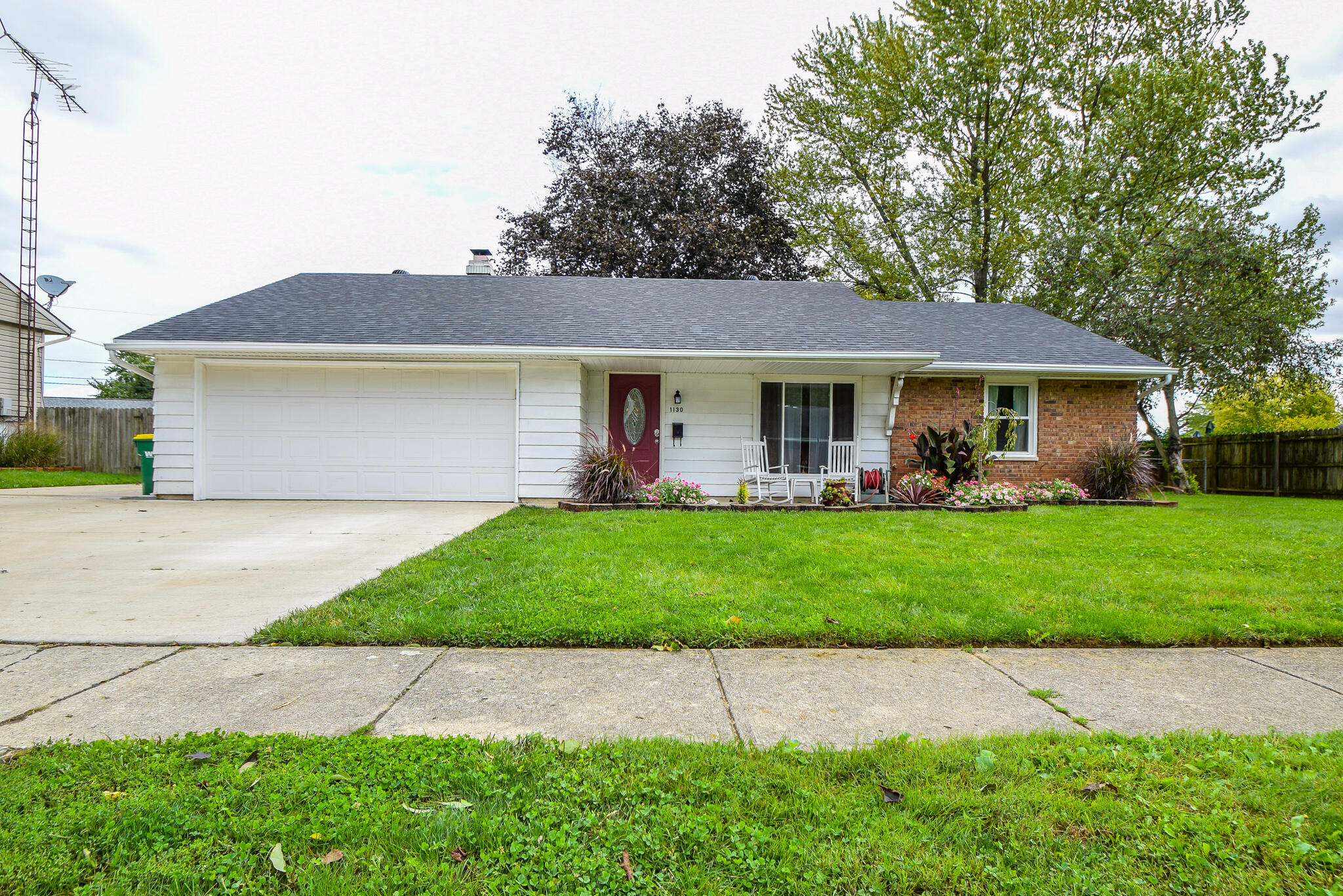 1130 Edgebrook Avenue Property Photo 1