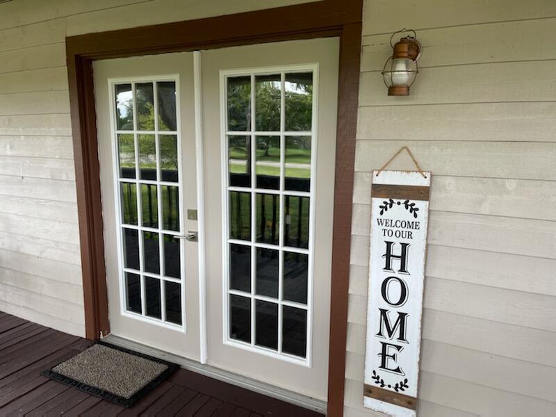 1240 W Choctaw Drive Property Photo 4