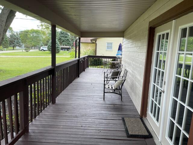1240 W Choctaw Drive Property Photo 5