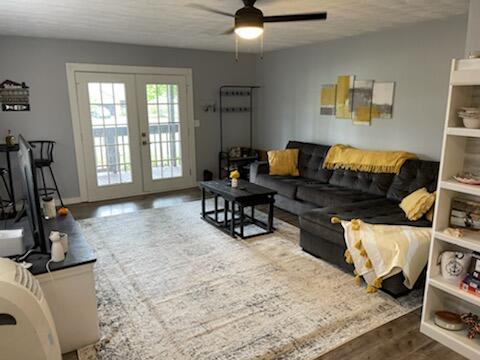 1240 W Choctaw Drive Property Photo 7