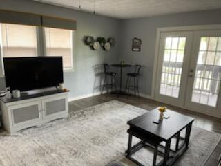 1240 W Choctaw Drive Property Photo 8
