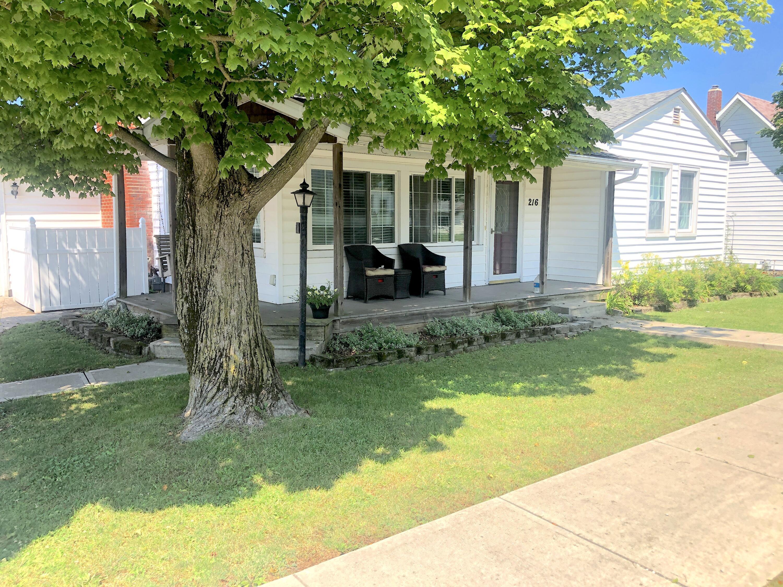 216 E Walnut Street Property Photo 1