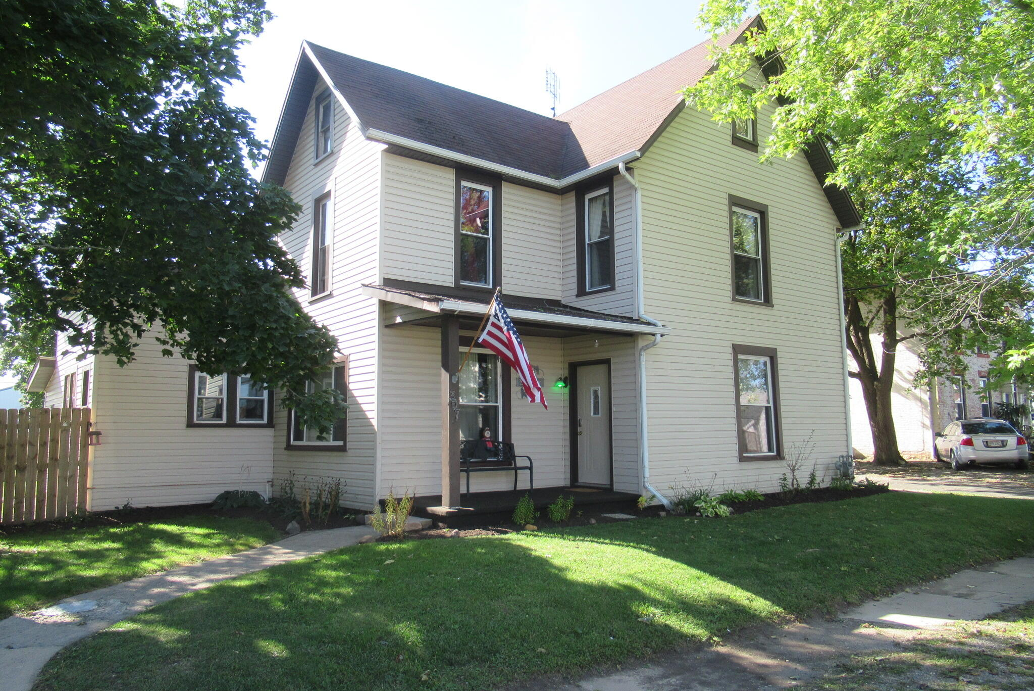 307 N Main Street Property Photo