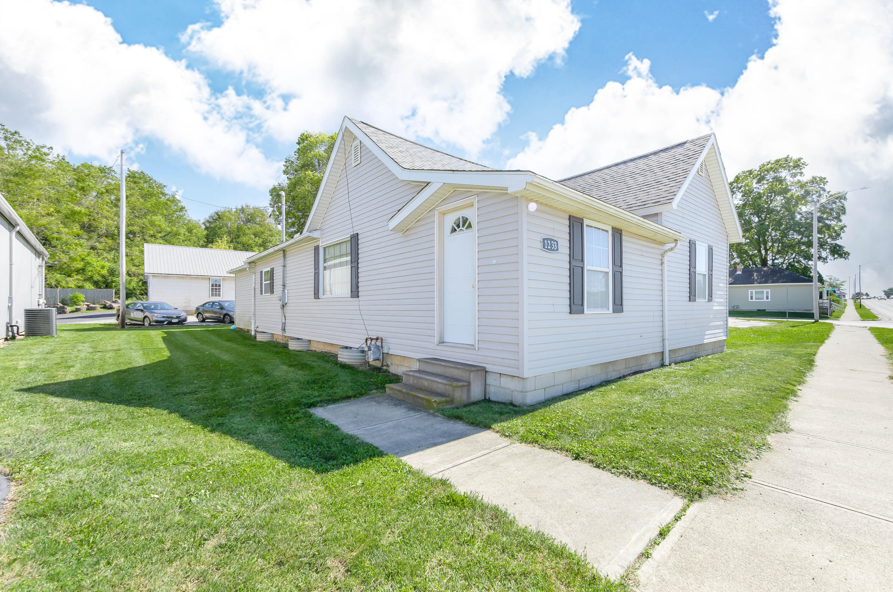 Bellefontaine Real Estate Listings Main Image