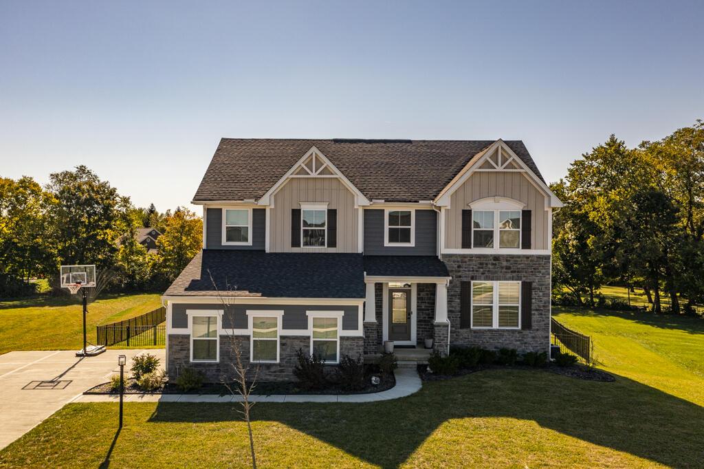 985 Acorn Drive Property Photo 1
