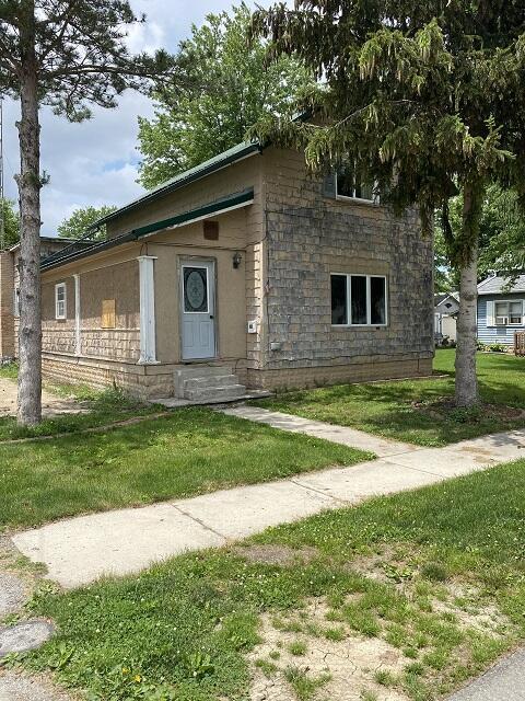 101 N Pioneer Street Property Photo