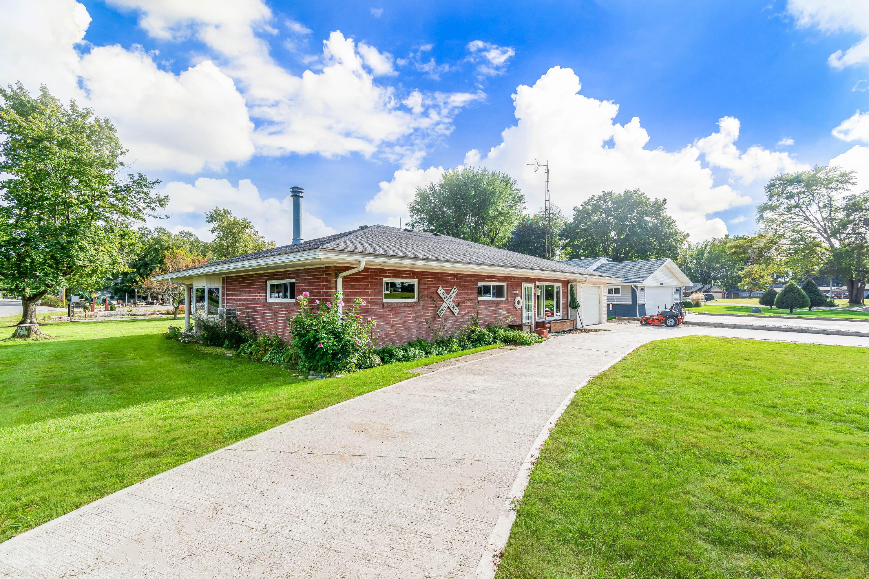 10009 Township Road 253 Property Photo