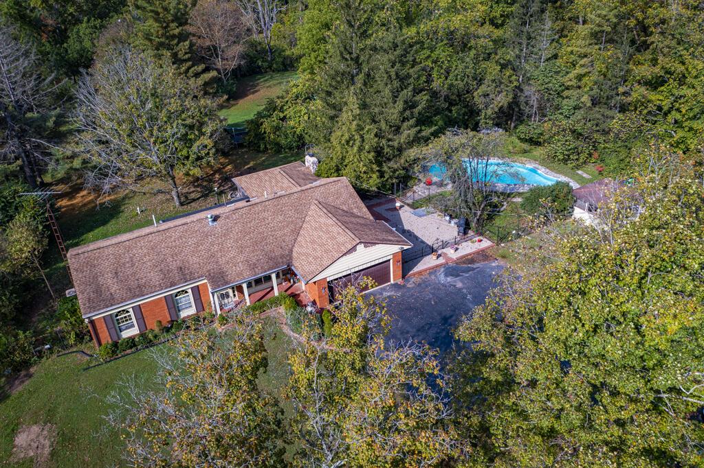 5923 Brantford Road Property Photo 1