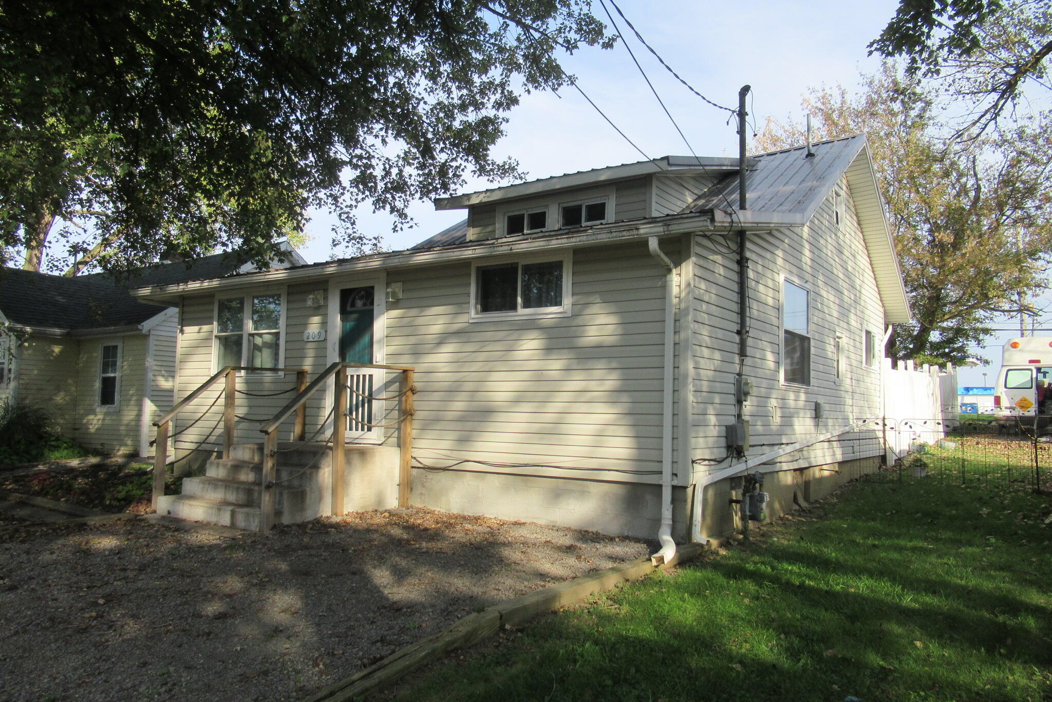 209 Russell Street Property Photo