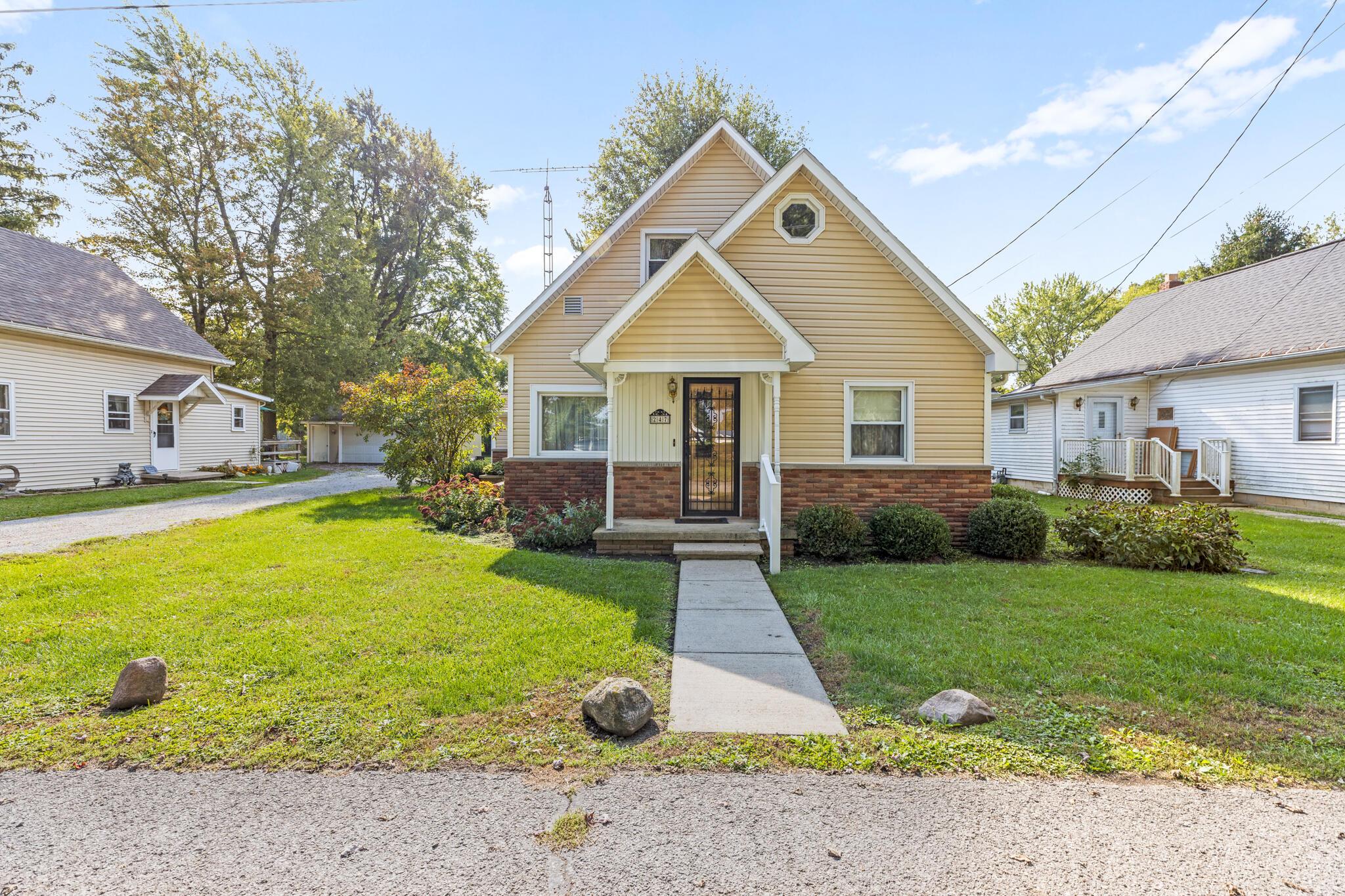 247 W State Street Property Photo