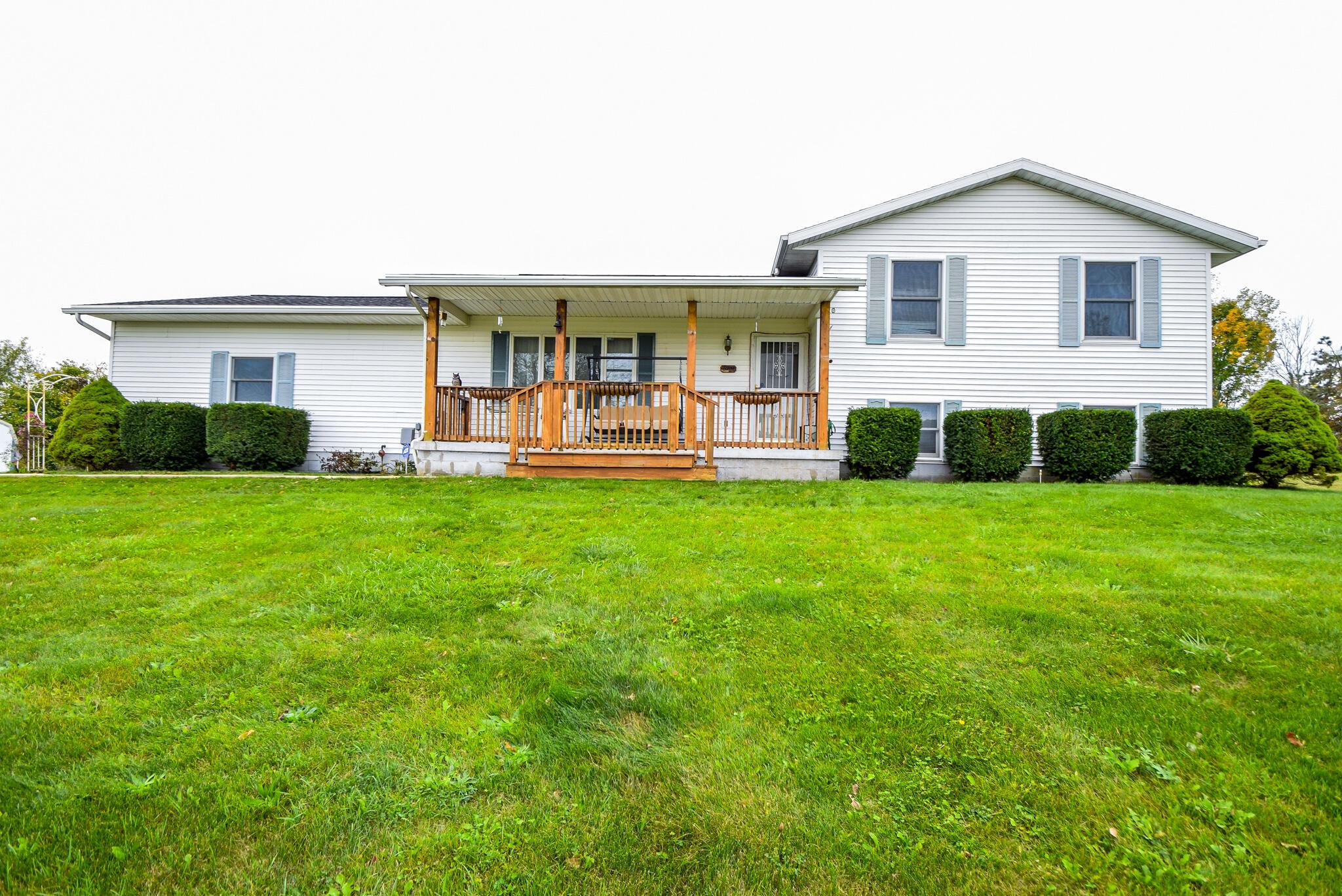 9697 Broadgauge Road Property Photo 1