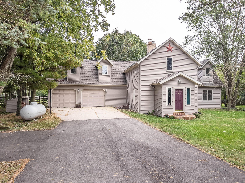 4253 Hurst Road Property Photo 1