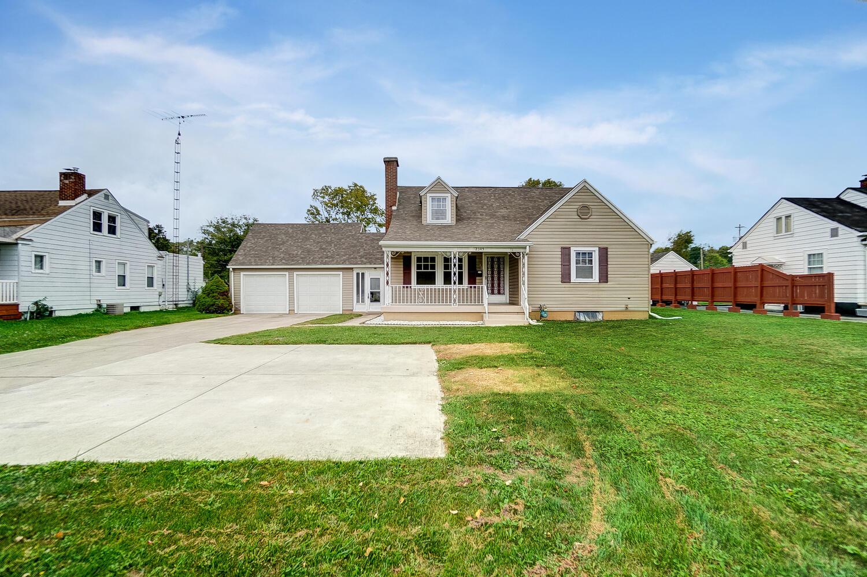 2345 N Limestone Street Property Photo 1