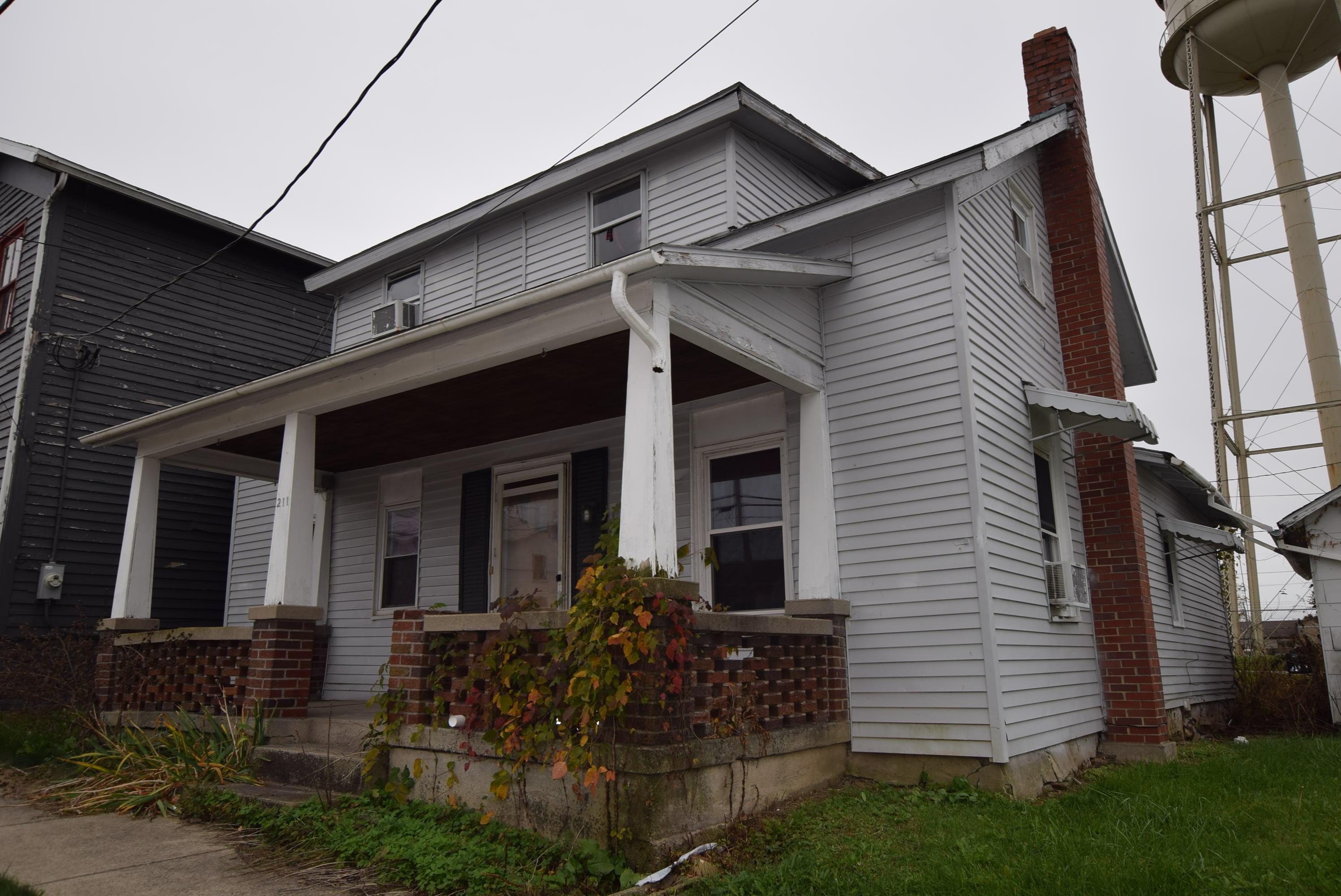 211 W Main Street Property Photo