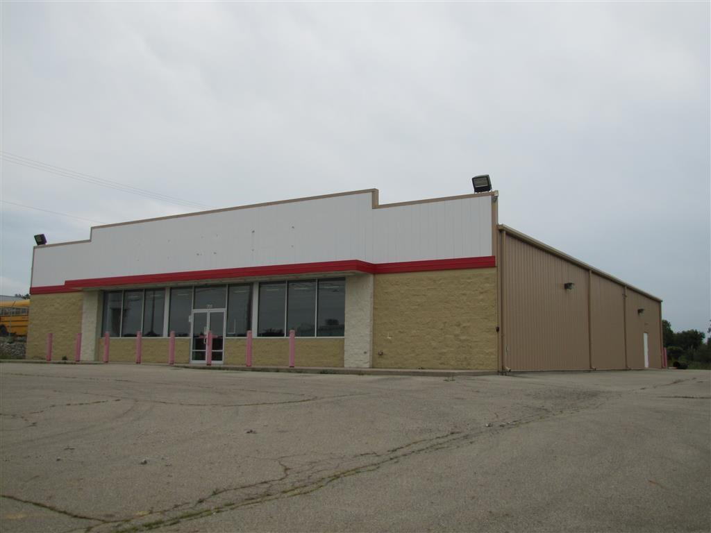 701 E Main St Property Photo