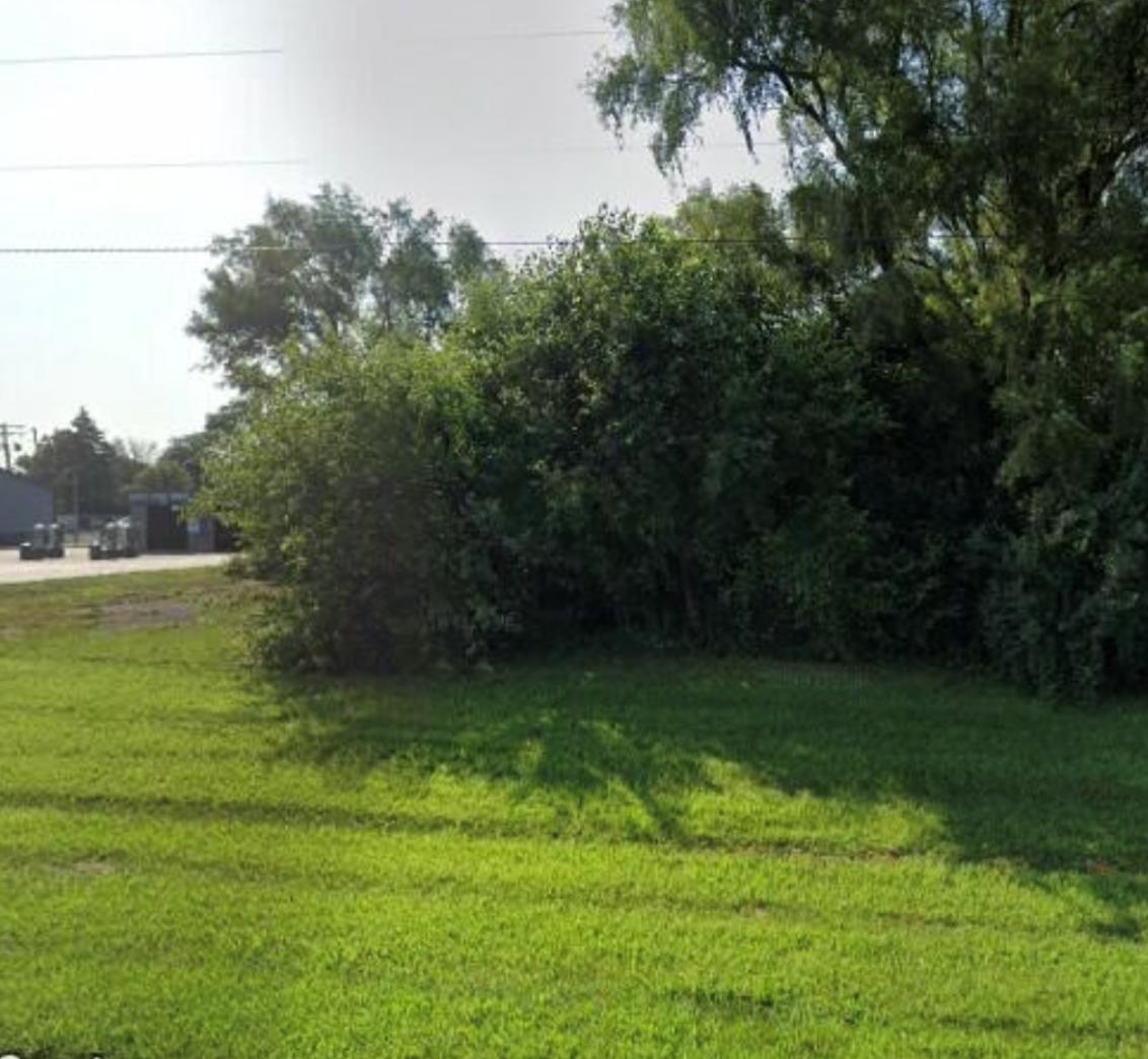 6909 Dayton Springfield Property Photo